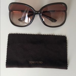 fd3ec7c23486 Women Tom Ford Raquel Sunglasses on Poshmark